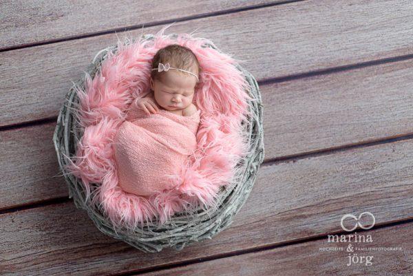 Babygalerie Gießen: professionelles Baby-Fotoshooting bequem zu Hause von den Babyfotografen Gießen