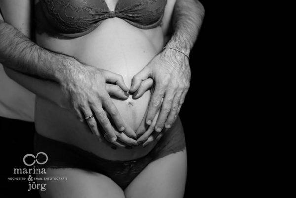 Schwangerschaftsfoto entstanden bei einem Babybauch-Shooting bei Wetzlar