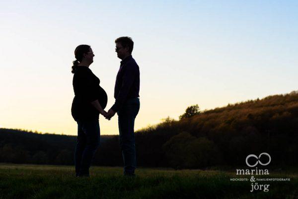 Schwangerschaftsfotografie Gießen - Outdoor Babybauch-Shooting
