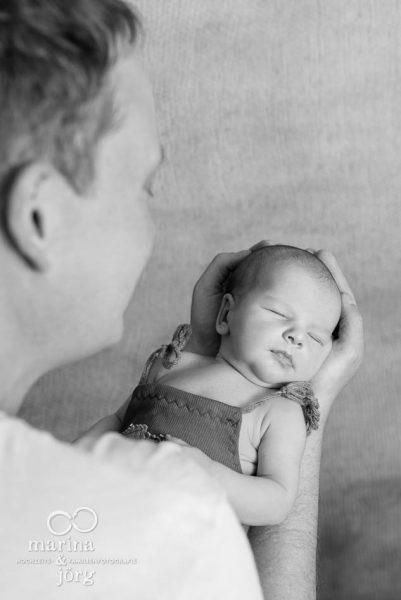 Babyfoto / Familienfoto entstanden bei einem Neugeborenen-Fotoshooting bei Gießen