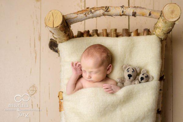 Babyfotograf Gießen - professionelle Neugeborenenfotos entspannt zu Hause (Babygalerie Gießen)