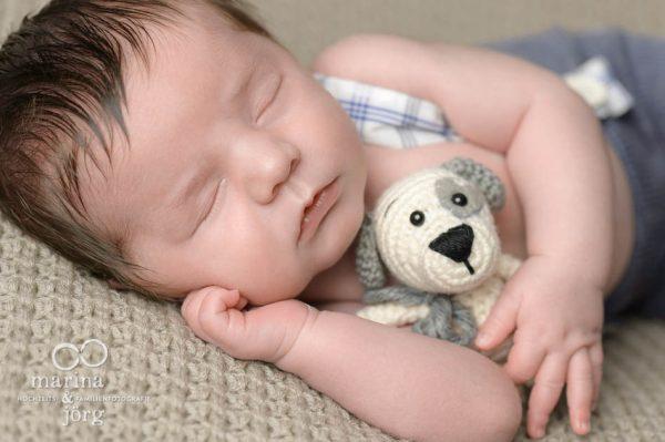 Babyfotografen Marina und Jörg - Neugeborenenfotografie in Gießen - Newborn-Bild der Babygalerie Gießen