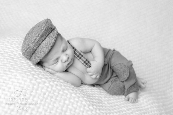 Marina & Jörg, Babyfotografen Lich - entspanntes Baby-Fotoshooting bei einer Familie zu Hause - Babygalerie Lich