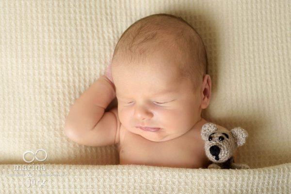Babyfotografen Lich - Neugeborenen-Fotoshooting entspannt zu Hause erleben - Babygalerie Lich