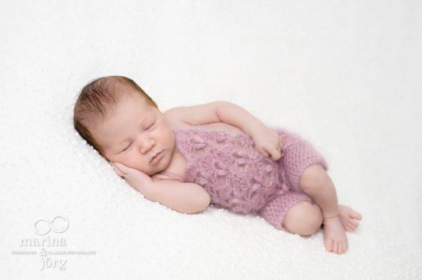 Neugeborenenfoto von den Babyfotografen Marburg (Babygalerie Marburg)