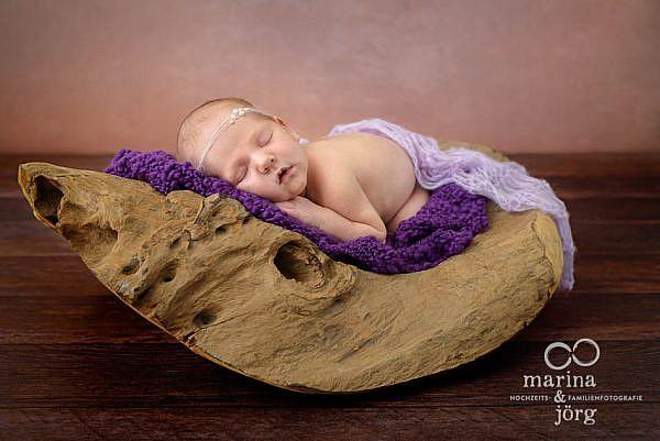 Babygalerie Marburg - professionelle Babyfotos, ganz entspannt bei den Eltern zu Hause
