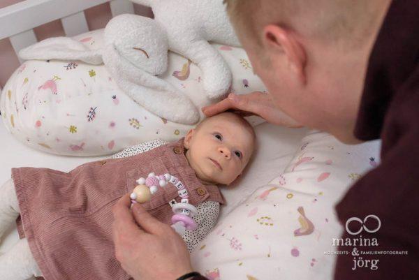 ungestellte Babyfotos von den Babyfotografen Marina & Jörg aus Gladenbach