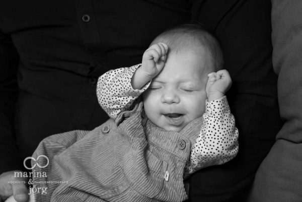 Babyfotograf Marburg - ungestellte Babyfotos - natürlich, echt, besonders