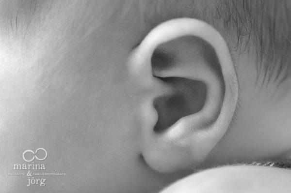 Marina & Jörg, Babyfotografen Wetzlar - entspanntes Baby-Fotoshooting bei einer Familie zu Hause - Babygalerie Wetzlar
