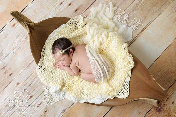mobile Babyfotografen Marburg - Neugeborenen-Fotoshooting ganz bequem zu Hause