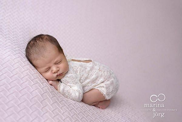 Marina & Jörg, Babyfotografen aus Gladenbach - moderne Neugeborenenfotos
