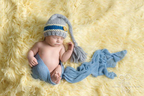 Babyfotograf Gießen: professionelles Neugeborenen-Fotoshooting in der Naehe von Gießen - Babygalerie