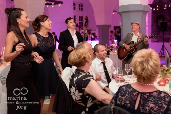 Hochzeitsfotograf Butzbach: ungestellte Hochzeitsbilder bei der Hochzeitsparty