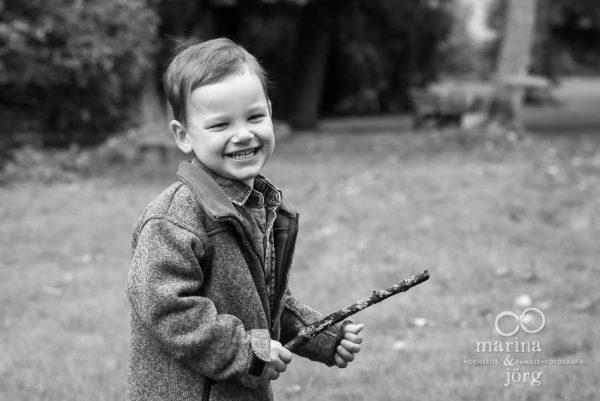natürliche Kinderfotos bei einem Familien-Fotoshooting bei Gießen - Familienfotografen Marina & Jörg aus Gladenbach
