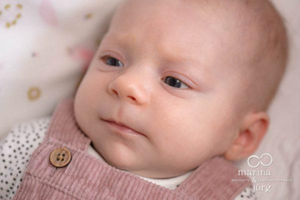 Babyfotografen Marburg - Familien-Homestory mit einem neugeborenen Baby