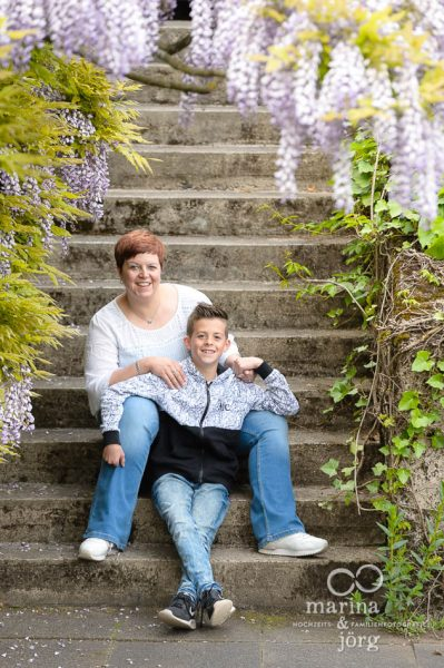 Marina und Joerg, Familienfotografen Giessen: Familien-Fotoshooting im Botanischen Garten Marburg