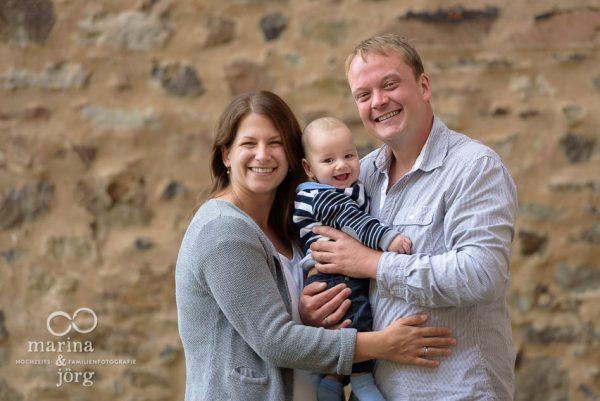 Familienfoto entstanden bei einem Kennenlern-Fotoshooting im Schloss Butzbach