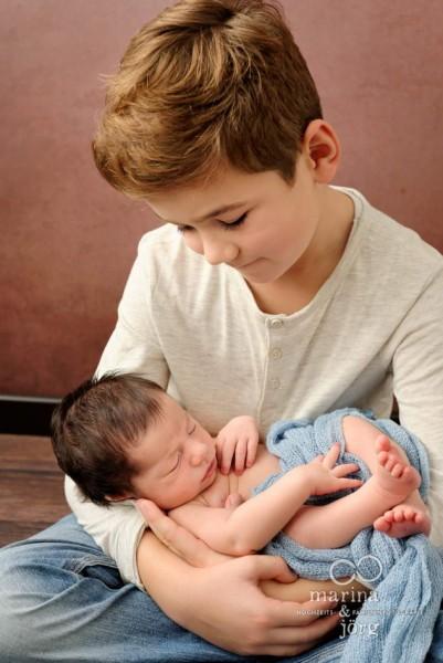 Babygalerie: Familienfoto mit neugeborenem Baby in Gießen