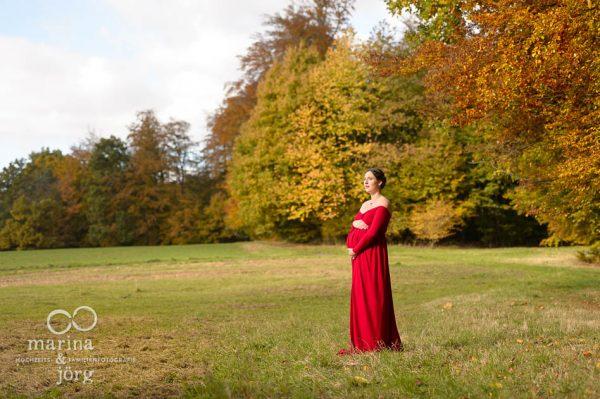 Marina und Joerg, Familienfotograf Giessen: outdoor Babybauch-Fotoshooting