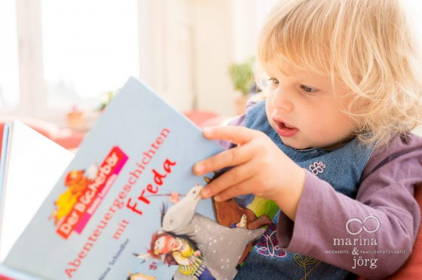 Familienfotograf Gießen: Homestory / Familienreportage bei Köln - Kinderportrait