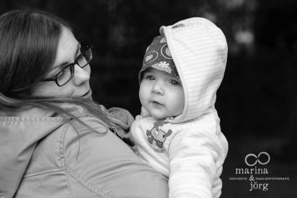 Marina und Joerg, Familienfotografen Marburg: Bilder einer Familien-Homestory als Erinnerungsschatz an eine ganz besondere Zeit