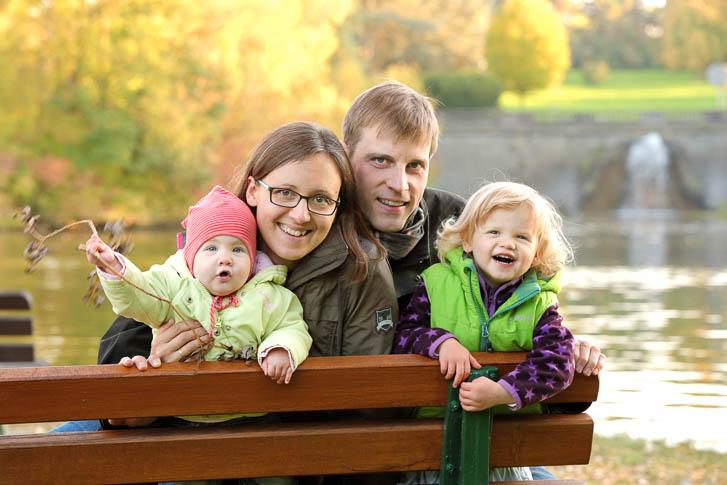 Marina und Joerg, Familienfotograf Wetzlar: ungestellte Familienfotos bei einem Outdoor-Familien-Fotoshooting