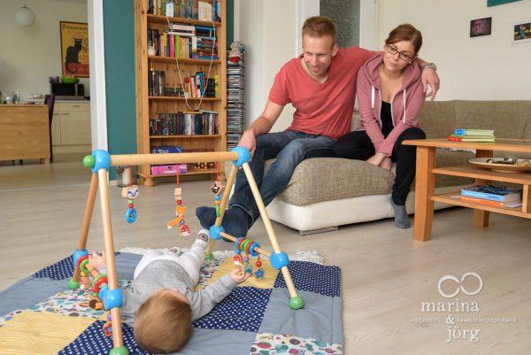 ungestellte Familienfotos bei einer Familien-Homestory in Giessen