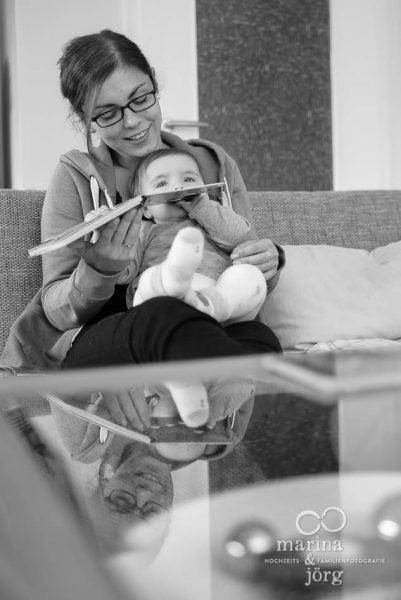 Marina und Joerg, Familienfotografen Giessen: Bilder einer Familienreportage als Erinnerungsschatz an eine ganz besondere Zeit