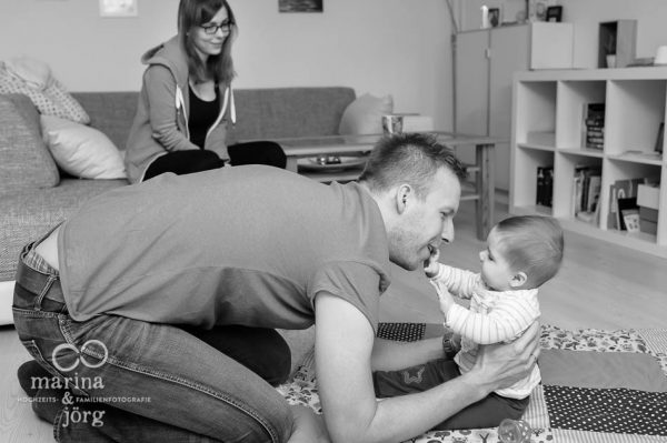 natuerliche Familienfotos entstanden bei einer Familienreportage in Giessen