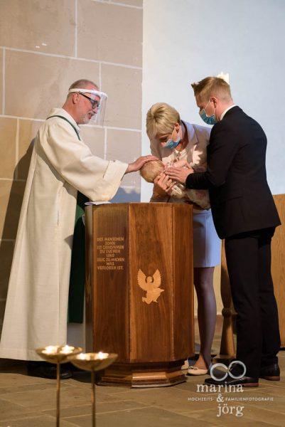 Familienfotografen für Marburg - alle Momente einer Taufe für immer festhalten