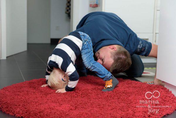 Familienfotografie Gießen: ungestellte Familienfotos einer Foto-Homestory bei Gießen