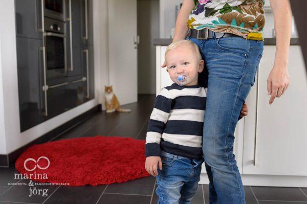 ungestellte Kinderfotos und wertvolle Erinnerungen - das bekommt man bei einer Homestory - Familienfotografie Gießen