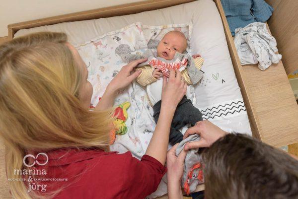 dokumentarische Familienfotografie Gießen - Neugeborenenfotos einer Familienreortage