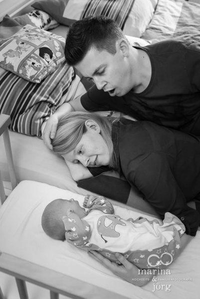 Familienfotografie Gießen - natürliche Babyfotos einer Homestory - ungestellt und echt