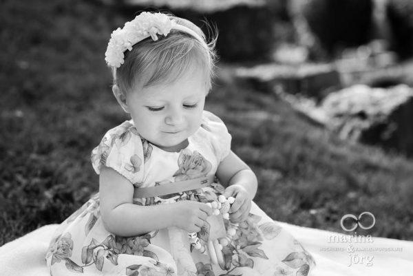 wunderschöne Kinderfotos - Foto-Begleitung einer Taufe bei Marburg