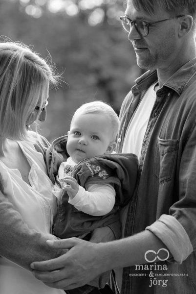 Familienfotografie Marburg - natürliche Babyfotos