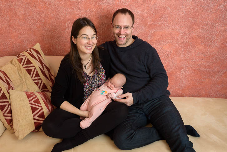 professionelle Familienfotos und Neugeborenenfotos einfach und bequem zuhause machen lassen - Marina & Jörg Familienfotografie