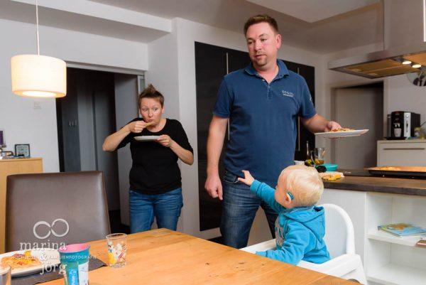 mit einer Familienreportage echtes Familienleben festhalten - Familienfotograf Gießen