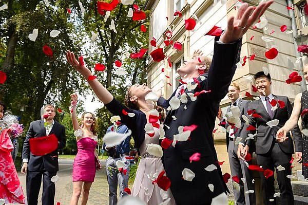 Hochzeit im Standesamt Villa Leutert in Gießen - Hochzeitsfotografie in romantischem Ambiente