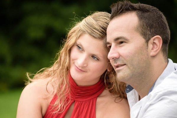 Marina und Jörg, Fotografen aus Gießen: Eure Liebe in romantischen Paarfotos verewigt - modernes Paarshooting