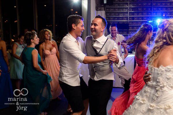 Hochzeitsfotograf Giessen: geniale Stimmung bei der Hochzeitsparty - Hochzeitsreportage in der Naehe von Bern