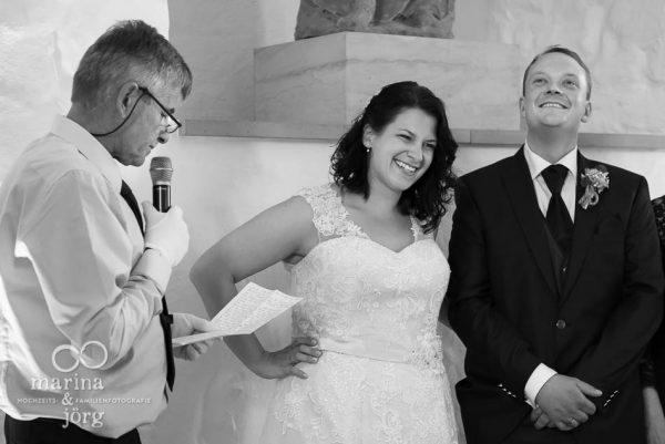 Rede des Brautvaters bei einer Hochzeit in Butzbach - Marina & Jörg Hochzeitsfotografen im Raum Gießen