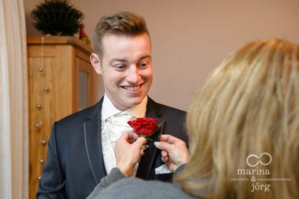 Hochzeitsreportage in Marburg: Getting-Ready des Braeutigams