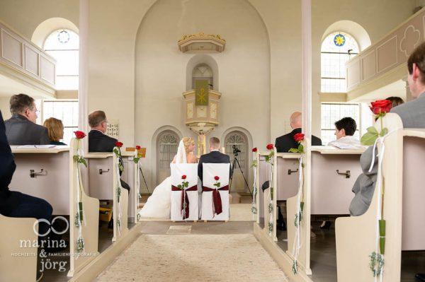 Marina und Joerg, Fotografen in Giessen: Hochzeit in der Kirche Wittelsberg bei Schloss Rauischholzhausen