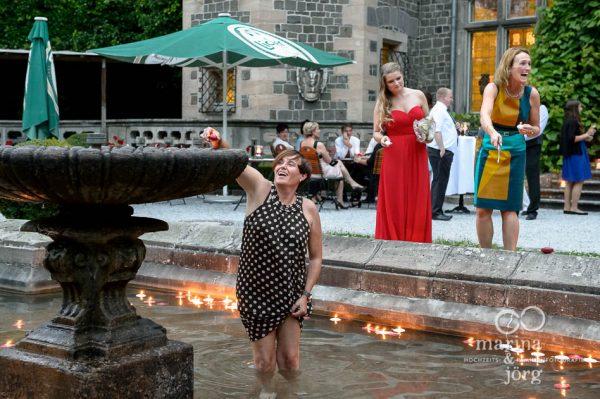 Marina und Joerg, Hochzeitsfotografen aus Giessen: Hochzeitsreportage auf Schloss Rauischholzhausen bei Marburg