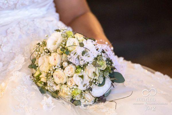Fotograf Giessen: Brautstrauss (Hochzeitsreportage in der Naehe von Bern)