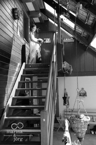 Marina und Joerg, Hochzeitsfotografen Giessen: ungestellte Hochzeitsfotos entstanden bei einer Hochzeitsreportage in der Naehe von Bern, Schweiz