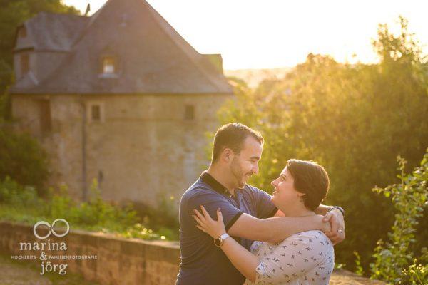 Fotograf für eure Hochzeit in Marburg: Engagement-Paarshooting im Marburger Schloß