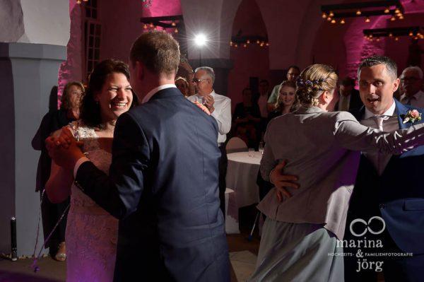 Marina und Jörg, Hochzeitsreportage in Butzbach - romantischer Hochzeitstanz