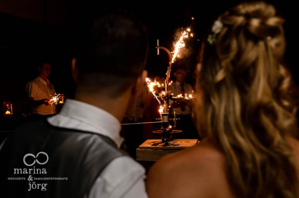 Fotografen-Paar Marina und Joerg aus Giessen: Hochzeitsreportage in der amboz Werk- und Eventhalle Saeriswil